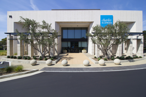 Charles Schwab Newport Beach Location